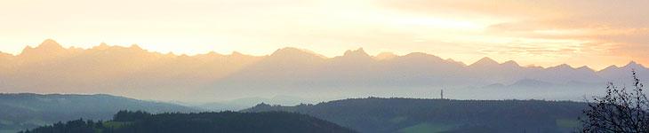 Berge nebelverhangen